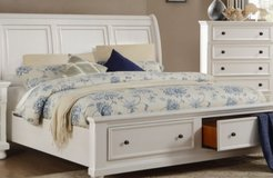 Pottery barn Queen size  Slay bed with drawers in The Woodlands, Texas