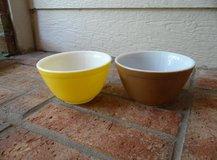 Small Pyrex mixing bowls in Kingwood, Texas