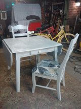drop leaf table & 2 chairs in The Woodlands, Texas