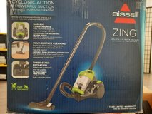 Bissell ZING cyclonic action and powerful suction 110 V Vacuum in Miramar, California