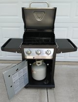 New Condition / Used Twice Dyna-Glo Gas Grill in Bolingbrook, Illinois