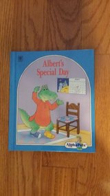 ALPHAPETS ALPHABET BOOK A-Z in St. Charles, Illinois
