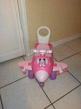 Minnie Mouse toddler plane riding toy ... needs 3 AA batteries in Fort Hood, Texas