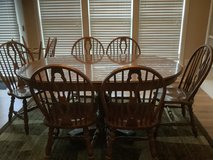 Dining Room Table and Chairs in Beaufort, South Carolina