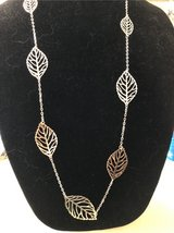 silvertone leaf necklace e in Glendale Heights, Illinois