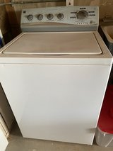 Washer & electric dryer in Yucca Valley, California