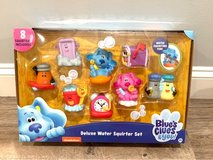 NEW SEALED IN BOX - Blue's Clues Deluxe Water Squirter Set Bath and Pool Toys. 8 Figures included! in Plainfield, Illinois