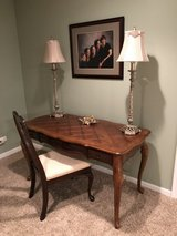 WOOD TABLE / DESK + CHAIR & 2 LAMPS - EXCELLENT CONDITION in Plainfield, Illinois
