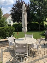PATIO SET - TABLE - 4 CHAIRS - UMBRELLA & STAND - HEAVY in Plainfield, Illinois