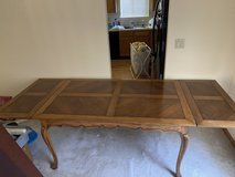 Antique Dining or kitchen table 5' extends to 8' in Chicago, Illinois