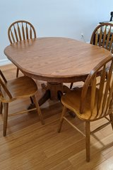 Dining Set Table with leaf and 4 chairs in Melbourne, Florida
