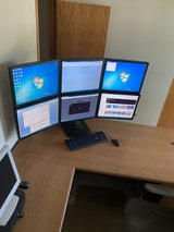 6 Screen system with computer in Chicago, Illinois