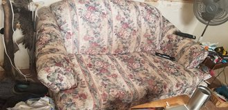 2 couches 1 couch bed in Lake Elsinore, California
