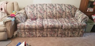 7 ft couch in Lake Elsinore, California
