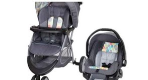 Baby trends Carsest and Stroller in Beaufort, South Carolina