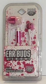 Pugs Ear Buds, with Microphone in Fort Campbell, Kentucky