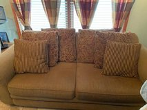 3 piece living room set in Glendale Heights, Illinois