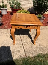 Pine end table in Glendale Heights, Illinois