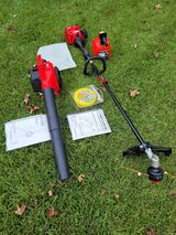 Craftsmans Trimmer 25cc and Blower 25cc Combo in Camp Lejeune, North Carolina