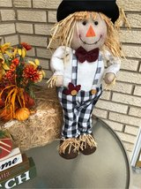 scarecrow in Glendale Heights, Illinois