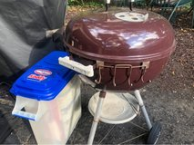 Weber Kettle Charcoal Grill w/Charcoal in Glendale Heights, Illinois