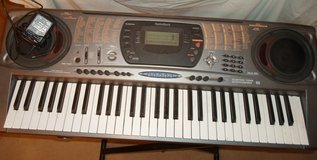 keyboard  radio shack MD 1121  with charger needs repaired in 29 Palms, California