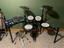 Roland TD-25KV Electric Drum Set V-Drums w/ Extras....GOING FOR FREE in Fort Drum, New York