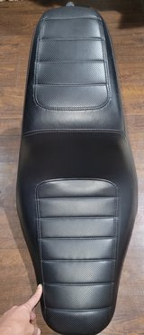 NEW SEAT FOR A HARLEY-DAVIDSON FITS VARIOUS YEARS & MODELS in Fort Campbell, Kentucky