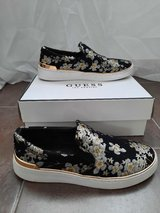 Womens Black Multi Fabric shoes by Guess size 7,5 in San Diego, California
