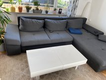 Couch Table Extendable Gloss finish in Stuttgart, GE