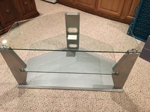 Glass TV stand in Glendale Heights, Illinois