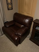 Leather Chair/ Mint Condition in Chicago, Illinois