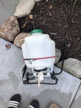 BACK PACK PUMP SPRAYER IN GOOD CONDITION in Chicago, Illinois