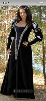 """SOFI'S STITCHES RENAISSANCE MEDIEVAL LONG SLEEVE LACE UP DRESS WAIST 30-34"""" in Camp Pendleton, California"""