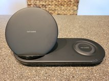 SAMSUNG WIRELESS CHARGER DUO in Chicago, Illinois