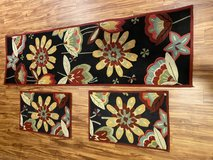 Runner and throw rugs in Chicago, Illinois