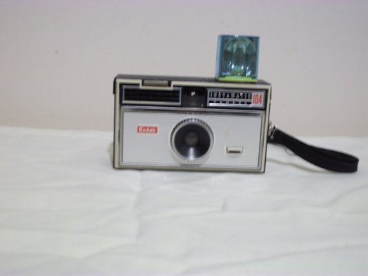 kodak instamatic 104 camera antiques by owner for sale on rh clarksville bookoo com New Instamatic Camera Kodak Instamatic 104 126 Cartridge