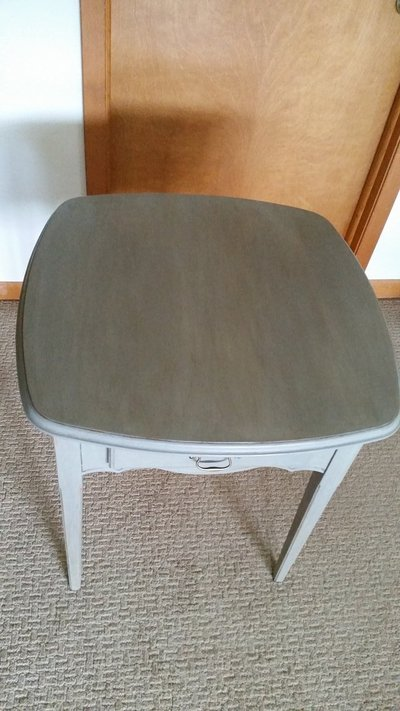Side Table / Shabby Chic
