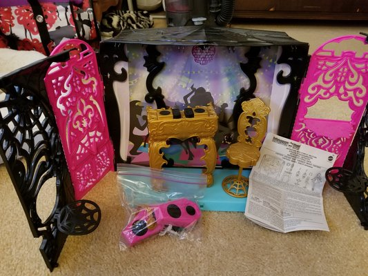 Dj Booth For Sale >> Monster High Dj Booth Toys Games For Sale On Aurora Bookoo