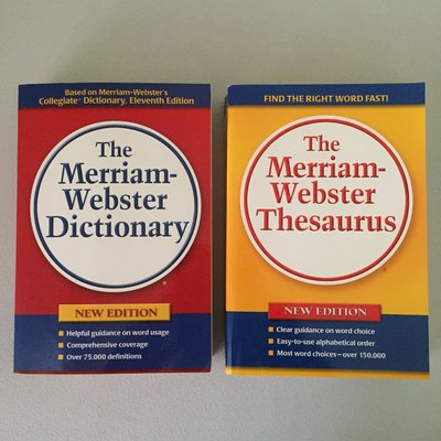 Dictionary/Thesaurus Set | Books for sale on Plainfield bookoo!