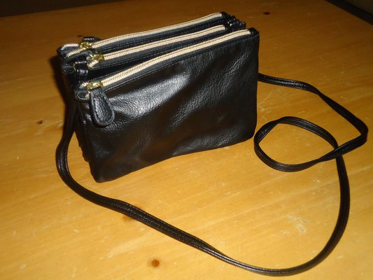 46fd5c6b2dadad 3 pocket purse from kohl's | Purses for sale on Naperville bookoo!