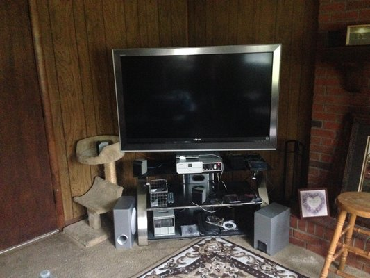 60 Sony Bravia Tv W Stand Televisions For Sale On Lejeune Bookoo