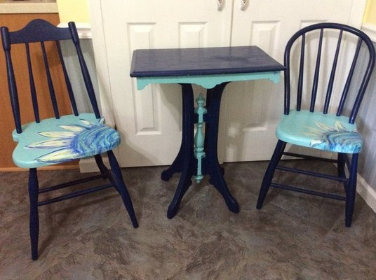Vintage Table And 2 Chairs, Painted In Fort Belvoir