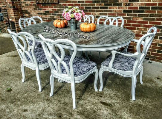 Farmhouse Table With 6 Chairs In Clarksville