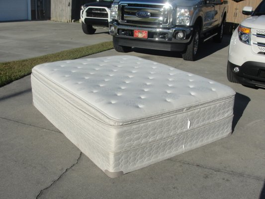 Ravenswood Pillow Top Sealy Posturepedic Preferred Queen Mattress Set Purchased At Ashley In Camp