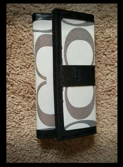 Coach Wallet Purses For Sale On Fort Campbell Bookoo