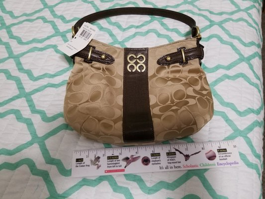 9183db6c31 SMALL authentic Coach Purse | Clothing & Accessories for sale on ...