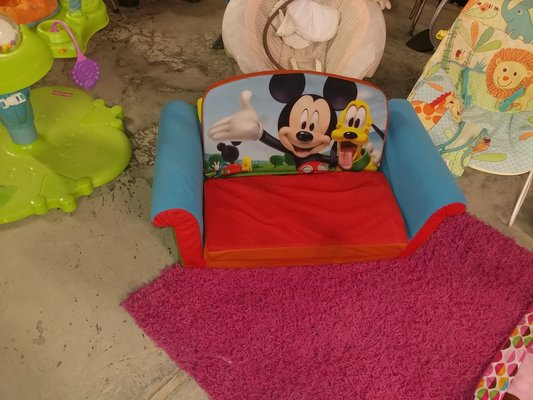 Wondrous Minnie Mouse Couch Toys Games For Sale On Polk Bookoo Unemploymentrelief Wooden Chair Designs For Living Room Unemploymentrelieforg