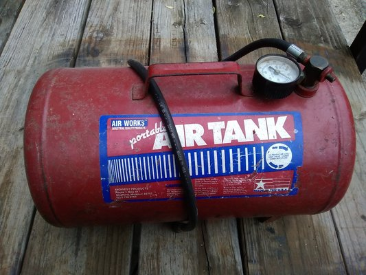 Small air tank   Lawn & Garden for sale on Fort Campbell bookoo!