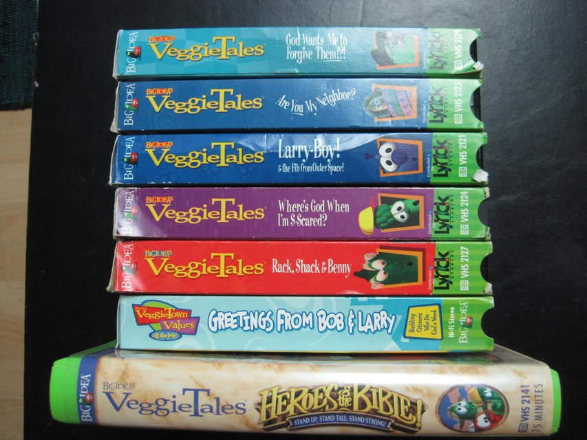 VEGGIE TALES~Lot of 28 HARDCOVER BOOKS~ Excellent Condition- Values to Grow By